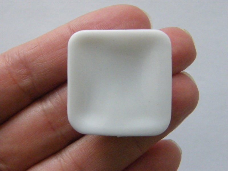 2 Plate miniature white resin FD616