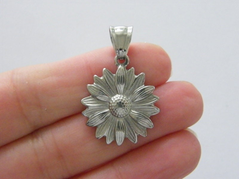 1  Flower charm tone stainless steel F394