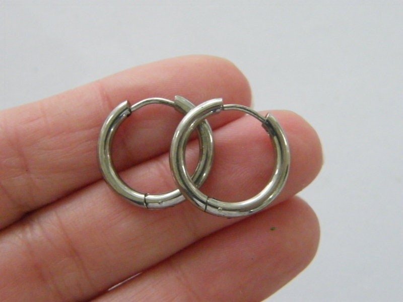 2 Stainless steel earring hoops 18 x 19mm F14933PB