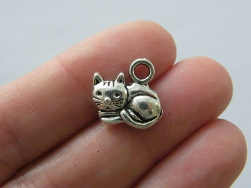 10 Cat charms antique silver tone A868