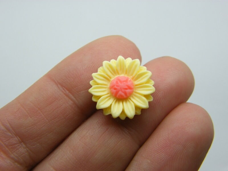 10 Sunflower flower embellishment cabochons yellow pink resin F355