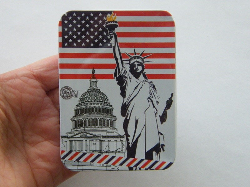 1 United States flag statue of liberty storage box
