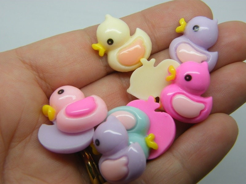 8 Rubber duck embellishment cabochons random mixed resin P153