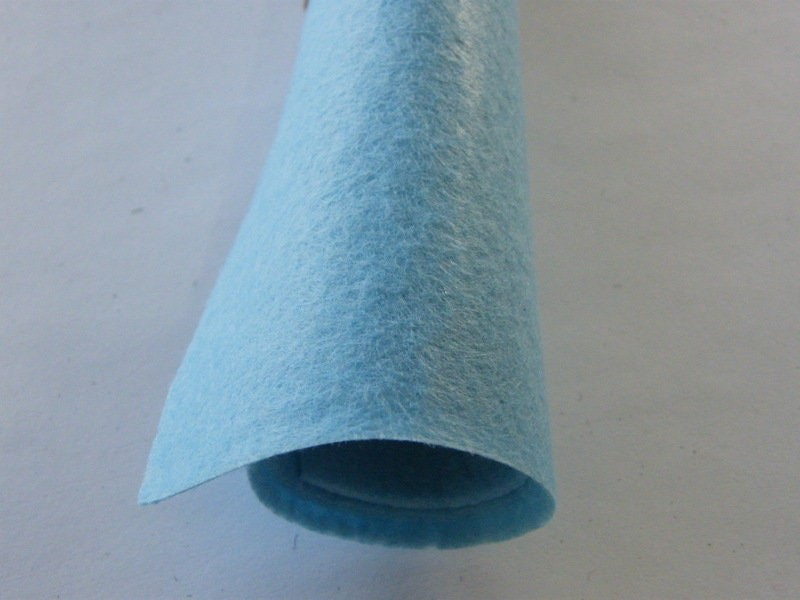 4 Light blue sheets square felt 30 x 30cm
