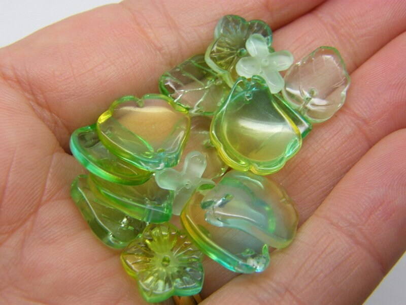 20 Flower leaf charms green gold  mixed glass AB296