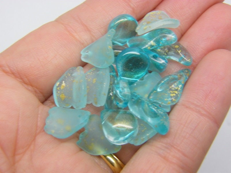 20 Flower leaf charms blue gold glitter dust mixed glass AB295