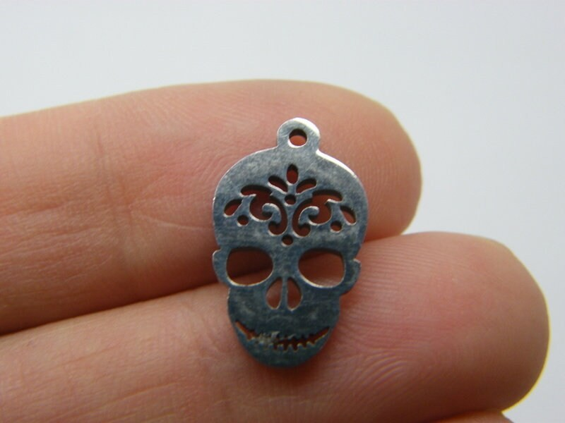 2 Skull charms stainless steel HC187