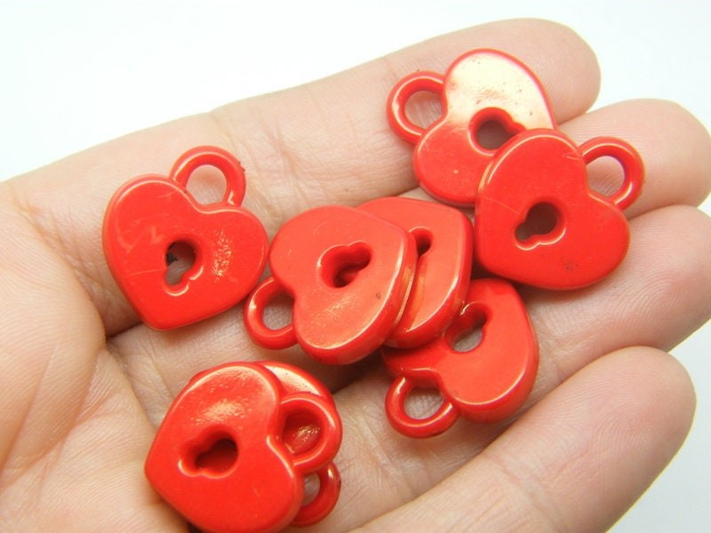 30 Lock charms red acrylic K36