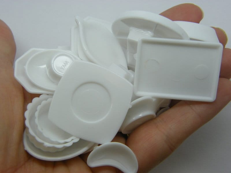 33 Piece crockery serving dishes set miniature dollhouse white  acrylic P111