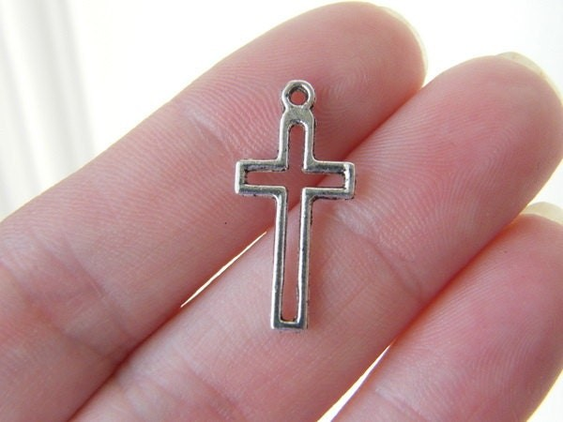 BULK 50 Cross charms antique silver tone C4