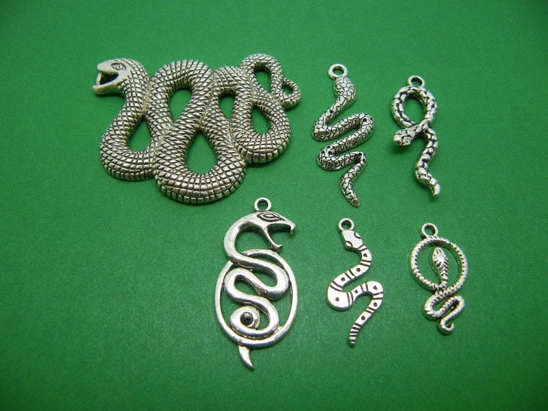 The Snake Collection - 6 different antique silver tone charms