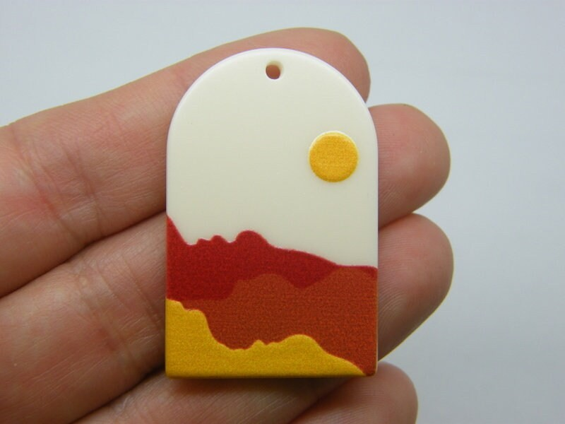 2 Sun mountains pendants resin S151