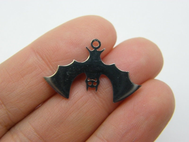 1 Bat charms stainless steel HC454