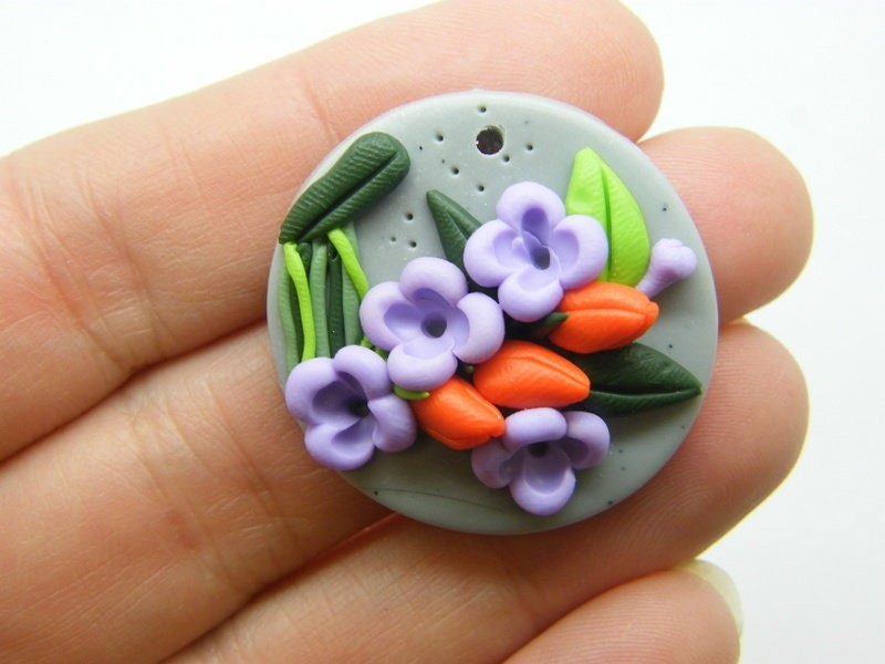1 Flowers pendant polymer clay F113