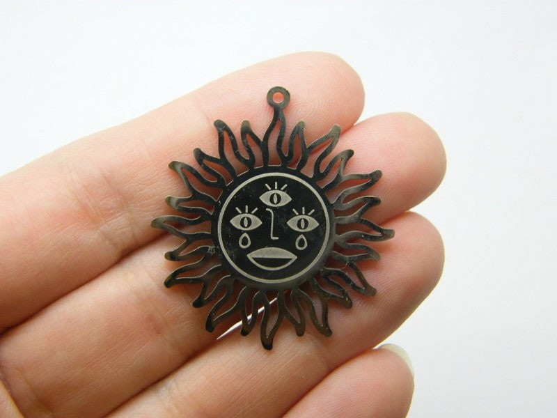 1 Sun all seeing eye  pendant stainless steel HC520