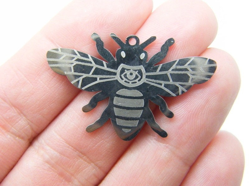 1 Bee pendant silver tone stainless steel A1090