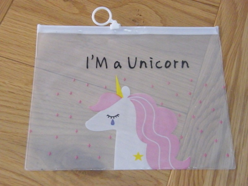 2 I'm a unicorn zipper storage bag B2