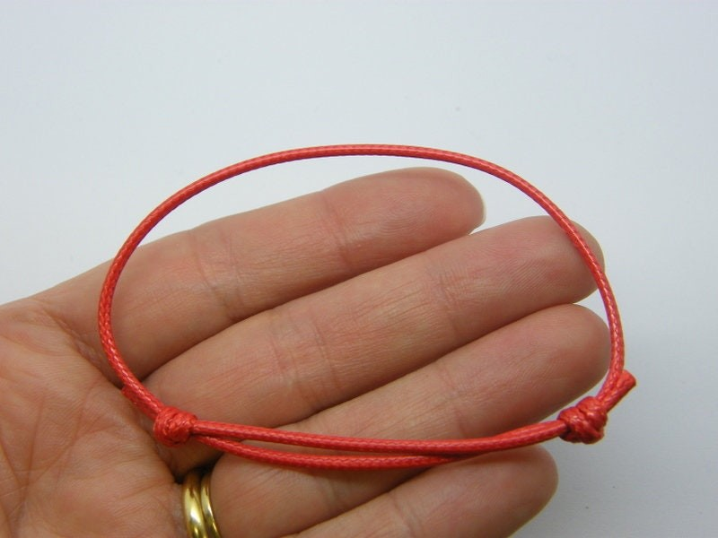 8  Waxed cord knot red bracelet