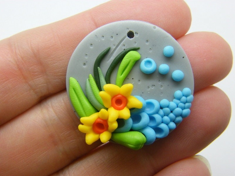 1 Flowers pendant polymer clay F173