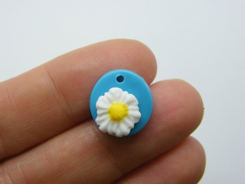 2 Flower charms blue white yellow clay F