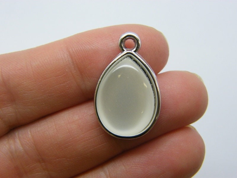 8 Teardrop pendants imitation pearl silver acrylic M605