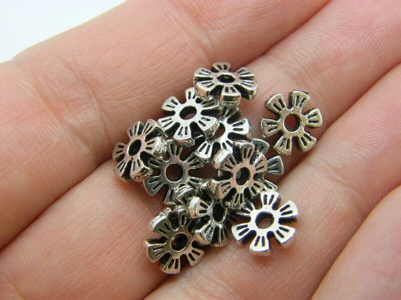 50 Spacer beads flower antique silver tone FS