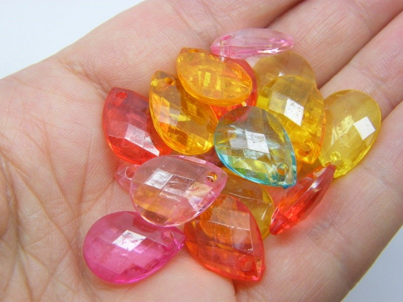 100 Teardrop faceted charms random mixed transparent acrylic M620