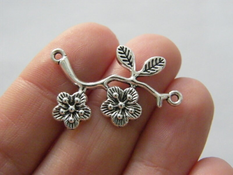 8 Branch with flowers connector charms antique silver tone F289