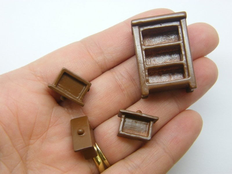 1 Chest of drawers furniture miniature dollhouse brown resin P694