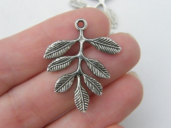 6 Leaves connectors or pendants antique silver tone L21