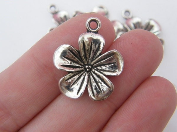 6 Flower charms antique silver tone F16