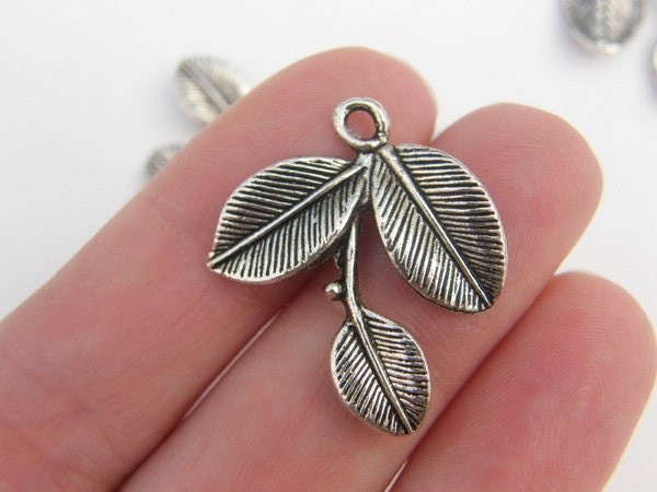 BULK 30 Leaves charms antique silver tone L19