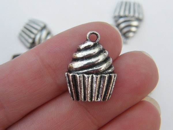 6 Cupcake charms antique silver tone FD139
