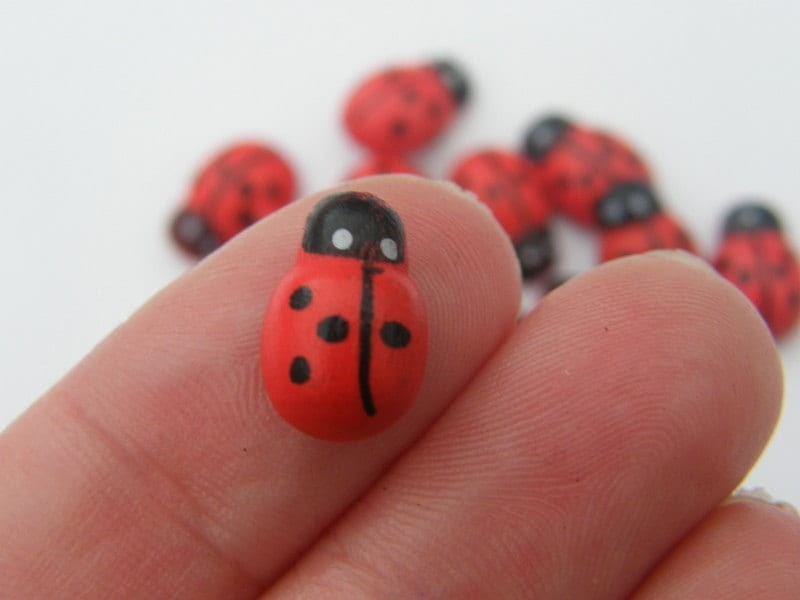 BULK 200 Wooden ladybugs 13 x 9mm
