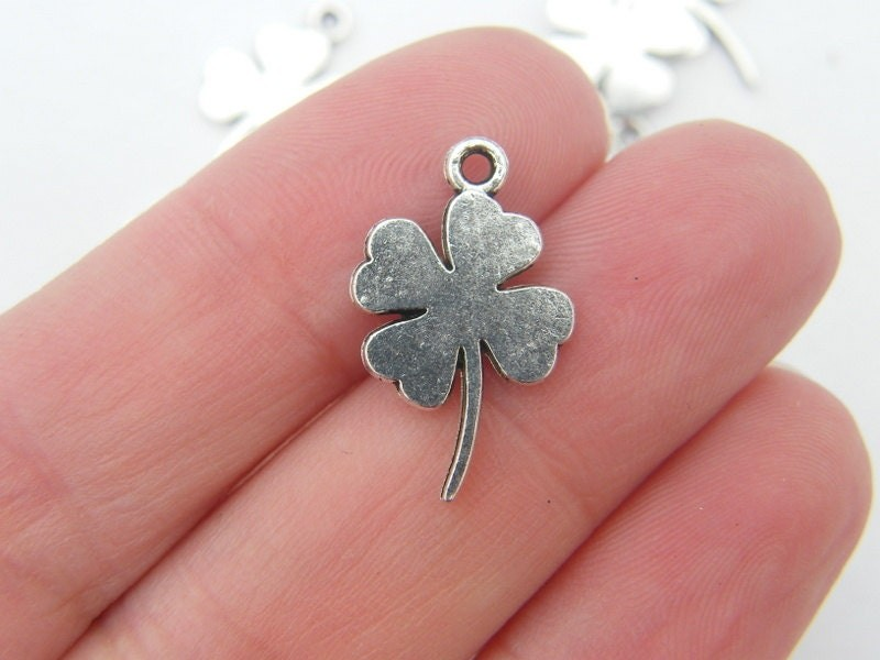 BULK 50 Four leaf clover charms antique silver tone L45 - SALE 50% OFF