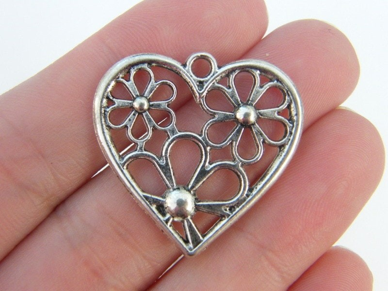 BULK 30 Heart pendants antique silver tone H26