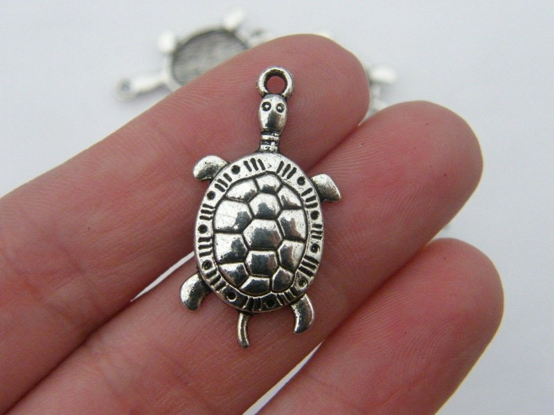 6 Turtle charms antique silver tone FF135
