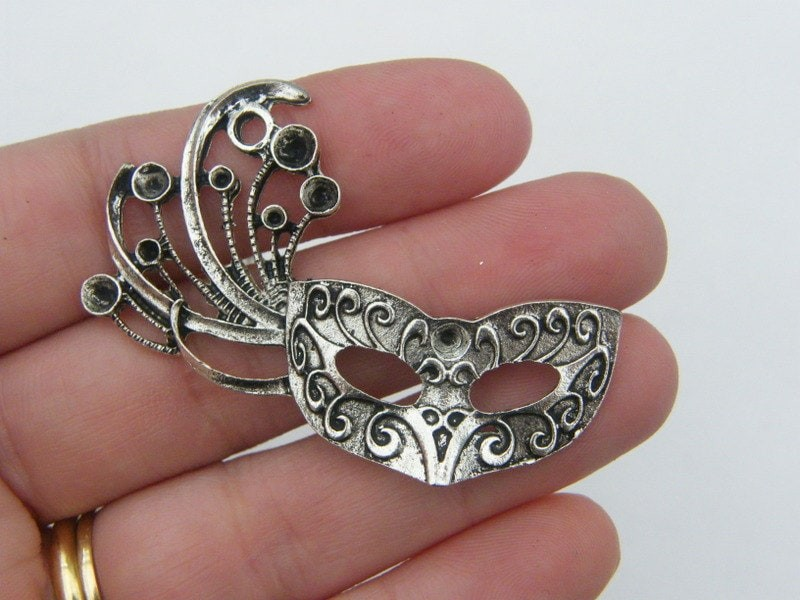 2 Mask pendants antique silver tone CA89
