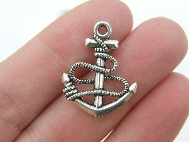 8 Anchor pendants antique silver tone SC205
