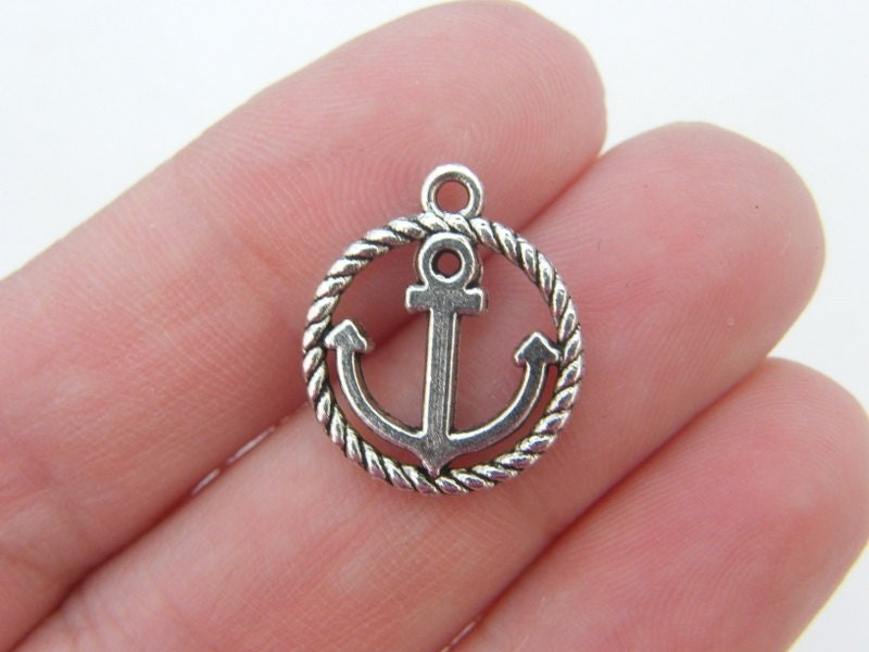 8 Anchor charms antique silver tone FF614
