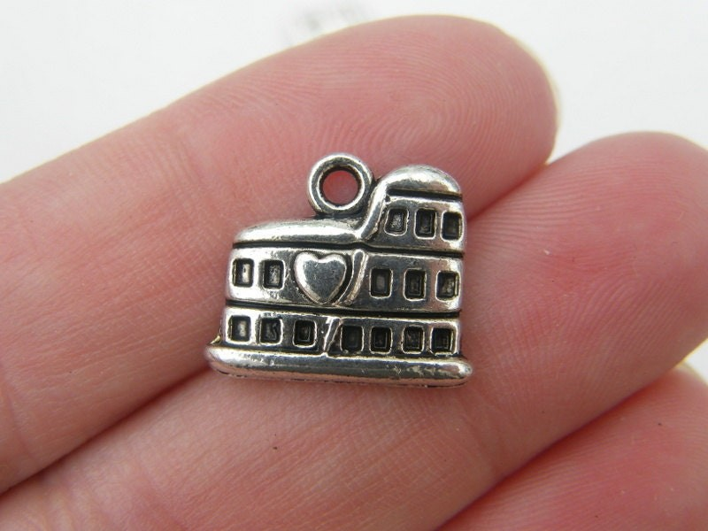 10 Colosseum charms antique silver tone WT46