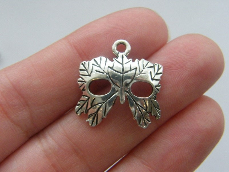 6 Mask charms antique silver tone CA82