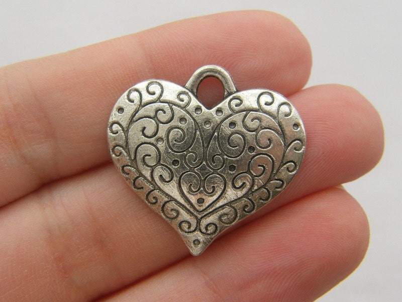 BULK 20 Heart pendants antique silver tone H51