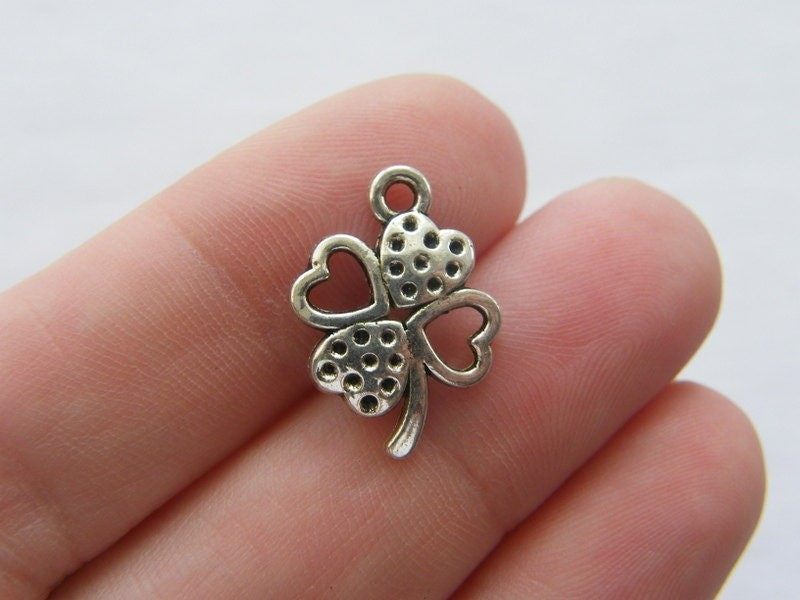 10 Four leaf clover charms antique silver tone L72