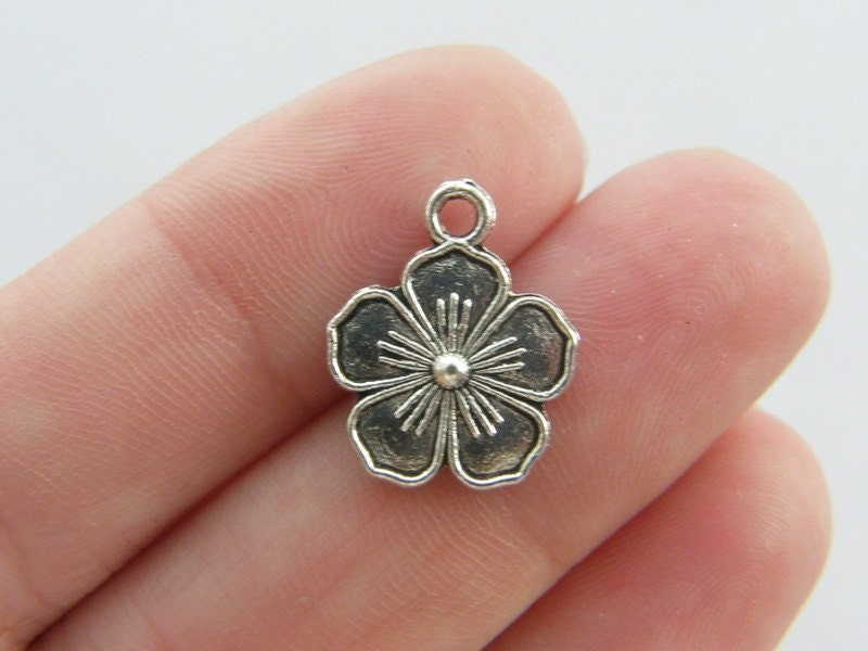 BULK 50 Flower charms antique silver tone F73