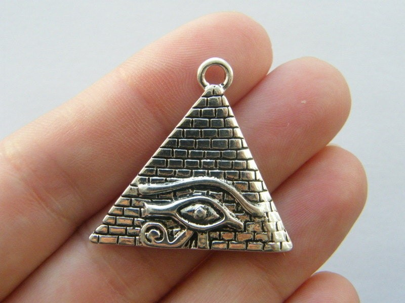 6 Pyramid charms antique silver tone WT68