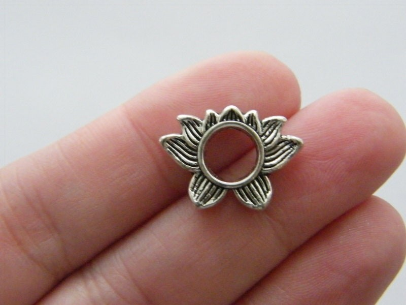 8 Lotus flower spacer beads antique silver tone F129