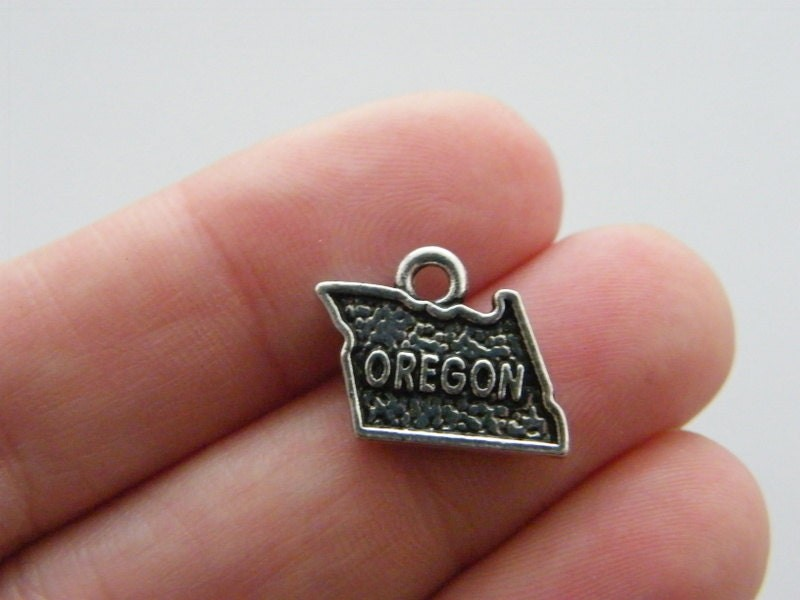 4 Oregon map charms antique silver tone WT137