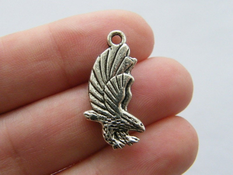 BULK 30 Eagle charms antique silver tone B147
